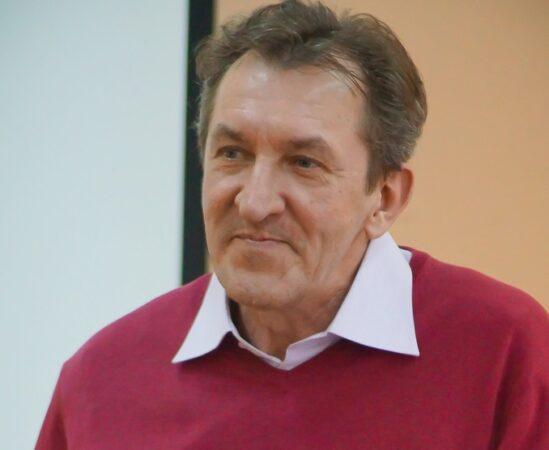 На 61-м году жизни скончался легендарный преподаватель тверского филфака