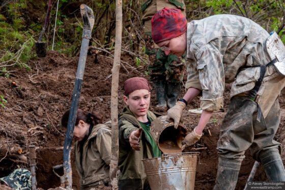 Под Белым поисковики нашли останки 107 красноармейцев