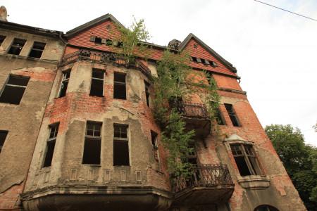 Сын известного тверского бизнесмена купил старинный дом-памятник за 200 тысяч рублей