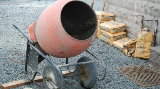 Тверичанин украл автопогрузчик и бетономешалку, чтобы сдать в металлолом