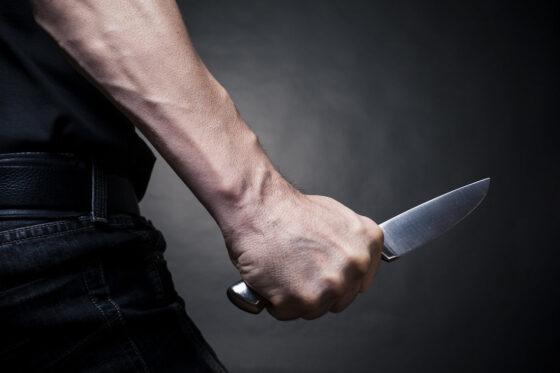 Пьяный житель Тверской области пытался убить подростка