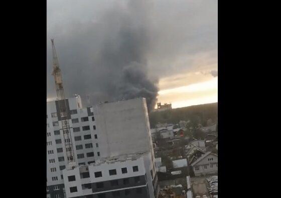 В микрорайоне Твери горело производственное здание