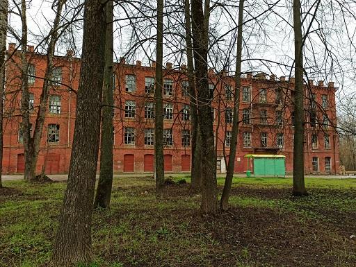 В Тверской области расхищают разрушающуюся фабрику
