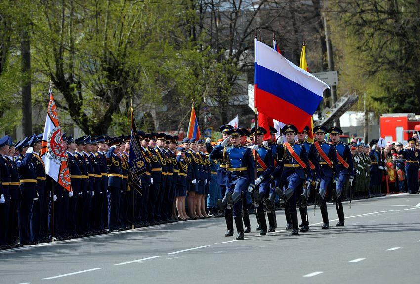 Поклонимся великим тем годам: трансляции Парада Победы в Твери и праздничных мероприятий в Ржеве