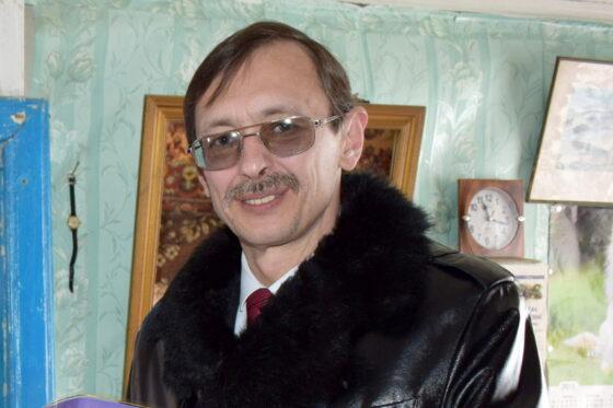 Главе Оленинского округа Олегу Дубову не понравилось выступление Манижы, но он призывает за нее болеть