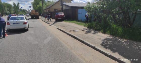 В Твери женщина-водитель сбила 9-летнюю девочку на тротуаре
