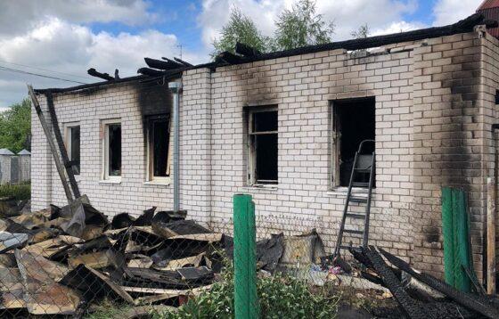 Два человека погибли и пострадал ребенок во время пожара в Твери
