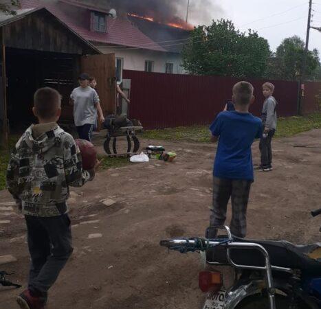 Под Тверью пожар лишил жилья две семьи