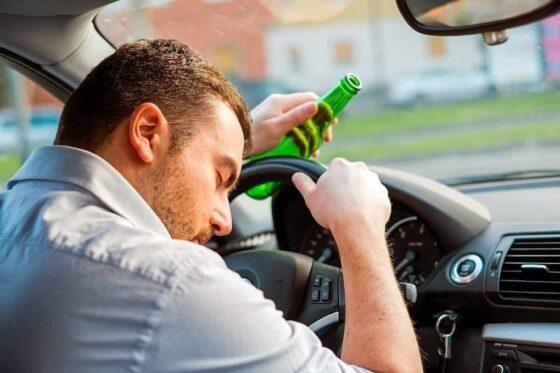 Под Тверью  жители деревни указали сотрудникам ГИБДД на пьяного водителя