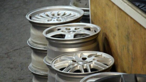 Девушка украла в Твери колесные диски, чтобы купить наркотики