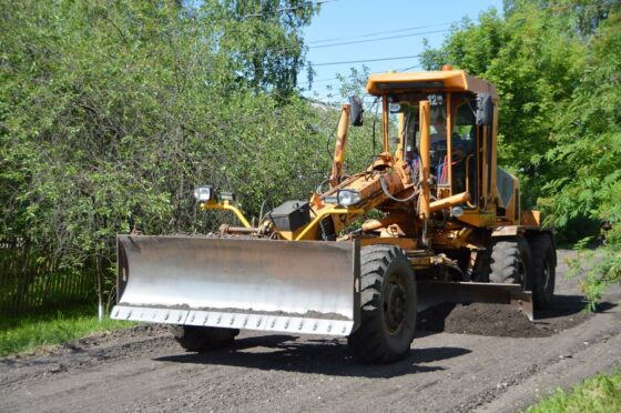 В Твери ремонтируют улицы с грунтовым покрытием
