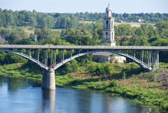 В Тверской области спасли мужчину, который хотел броситься с моста