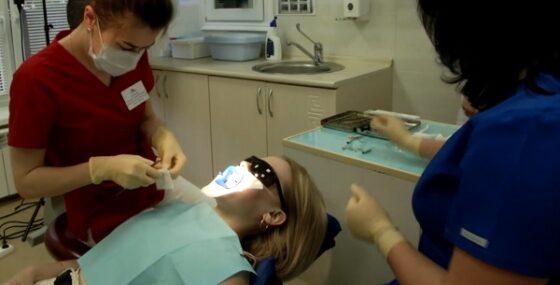 За улыбкой — в «Альфа-Виту»: безопасное и качественное отбеливание на профессиональном оборудовании