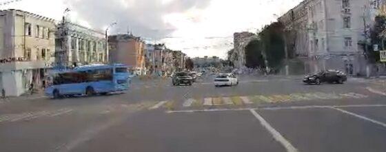 Опубликовано видео аварии на Тверском проспекте в Твери