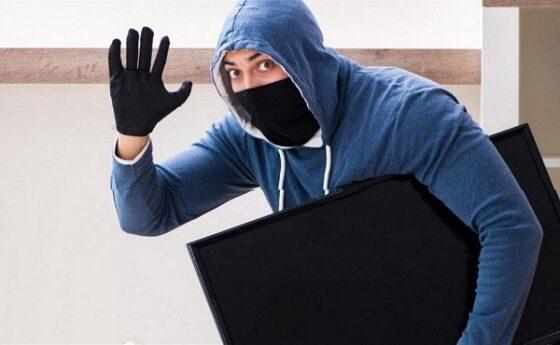 В Тверской области мужчина, чтобы заработать, украл телевизор и DVD-плеер
