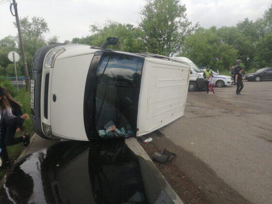 Погоня полицейских за машиной завершилась аварией в Тверской области