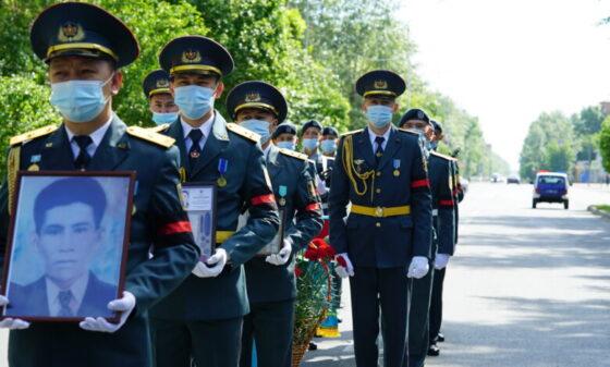Погибших под Ржевом казахских воинов перезахоронили на родине