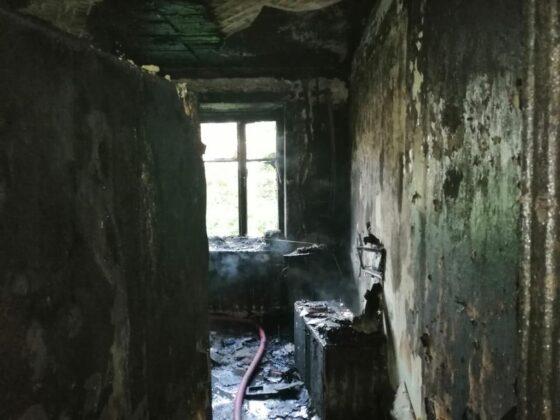 Мужчина погиб в сгоревшей квартире в Тверской области