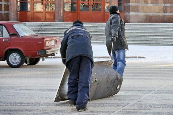 В Тверской области воры украденным топором взломали дверь и стащили ванну