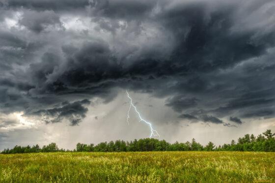 В Тверской области опять ожидается гроза, а где-то и град