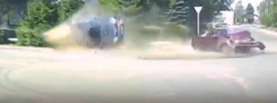 Опубликовано видео серьезной аварии в Тверской области