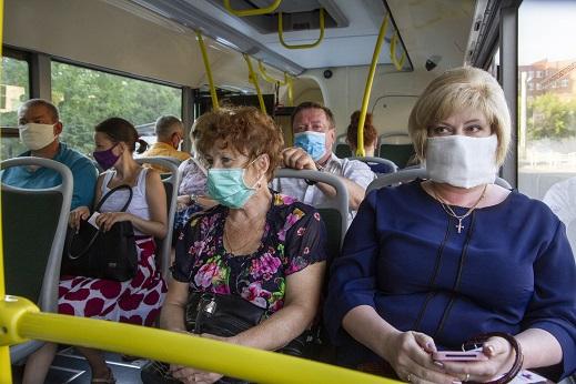 Тысячу масок бесплатно раздадут в автобусах в Ржеве