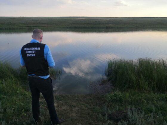 Следователи устанавливают обстоятельства гибели мужчины в Тверской области