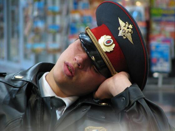 Полицейскому выдали справку, что он не бездельничал в Твери