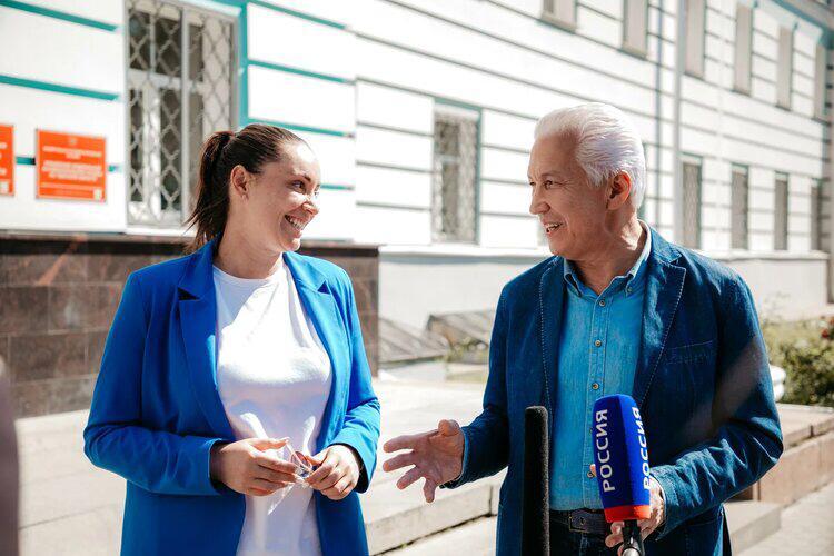 В Тверской области  советник Президента и лидер волонтеров представили документы в облизбирком