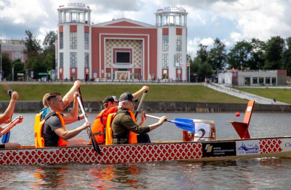 В Твери советник Президента РФ взял в руки весла